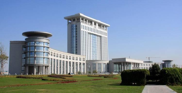 石河子政府综合大楼